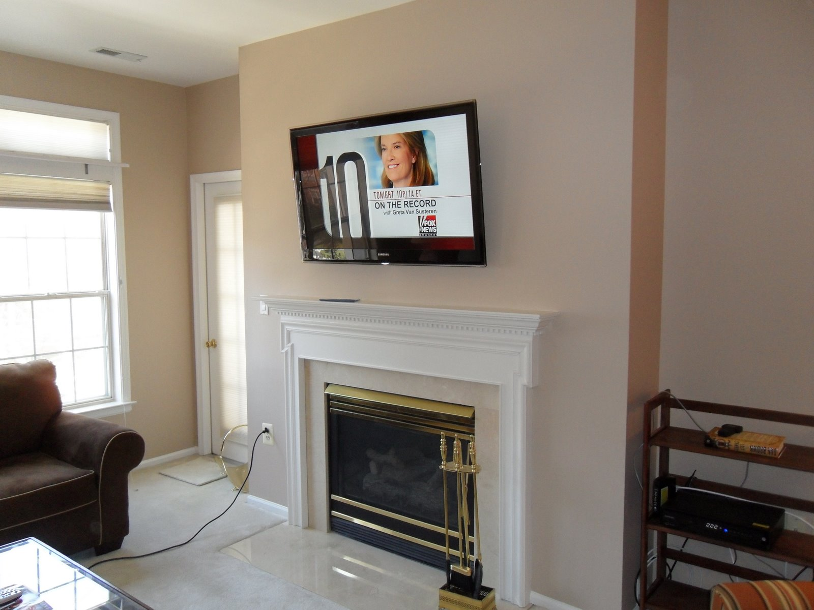 Living Room Fireplace Tv Wall Mounting Installation 2 Wiring Mount 2admin2013 03 21t085534 0000